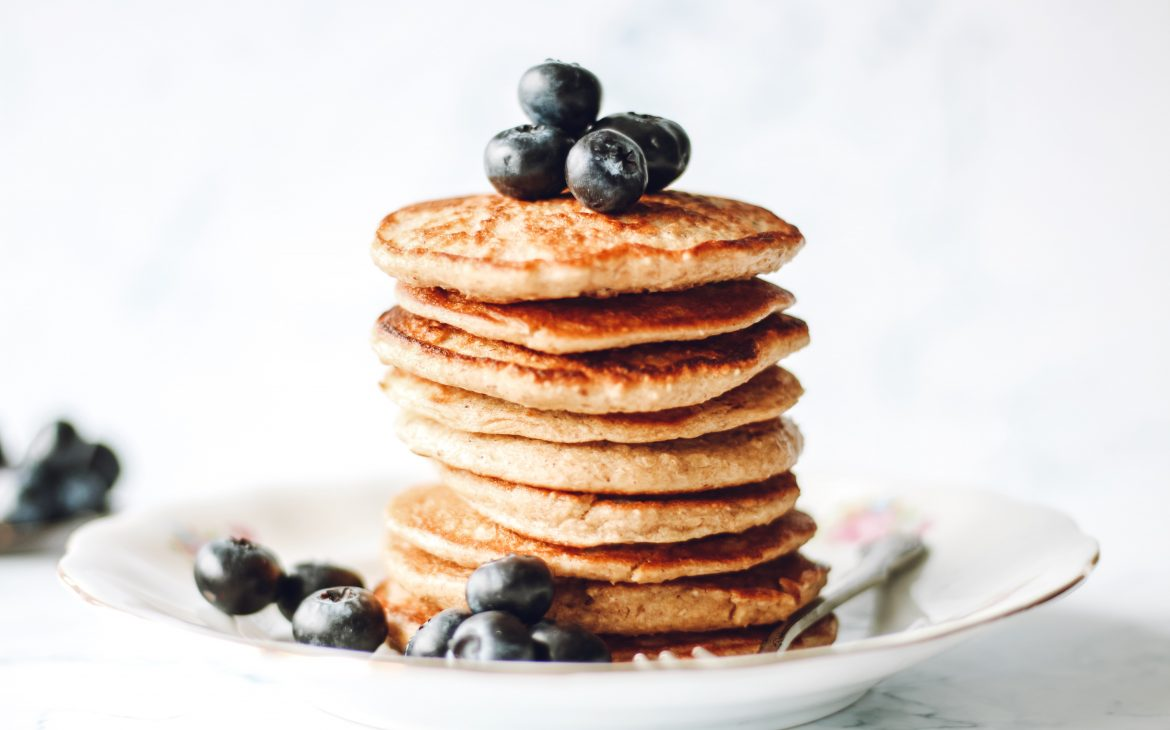 Pancakes with bluerries as topping
